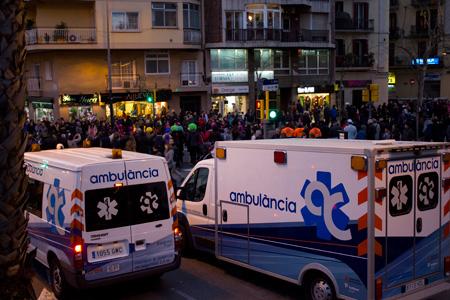 ambulancia-carnaval-sants-barcelona