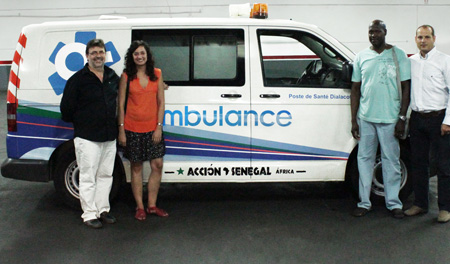 donación ambulancia de Ambulàncies Catalunya en Barcelona a la ONG Acción Senegal