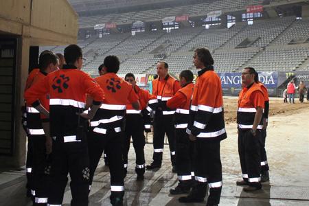 Equip de ambulancies catalunya dins del Palau Sant Jordi