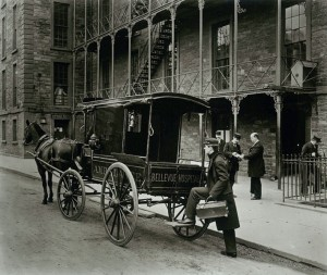 historia ambulancia wikipedia